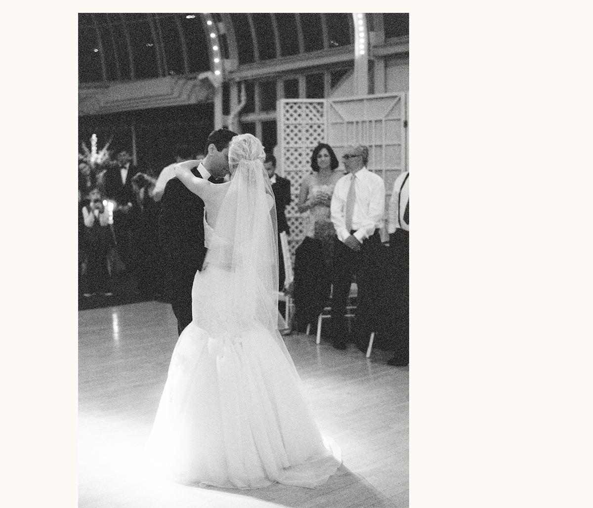 Brooklyn Botanical Gardens Wedding Photographer 35 - BROOKLYN BOTANICAL GARDEN WEDDING PHOTOGRAPHY